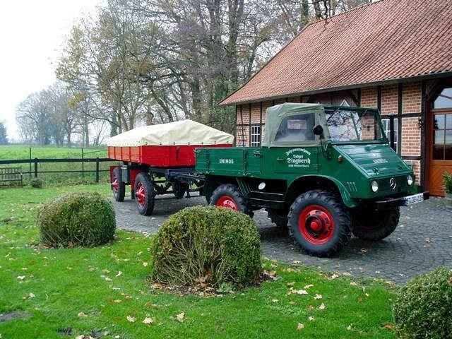 Daimler-Benz Unimog 411