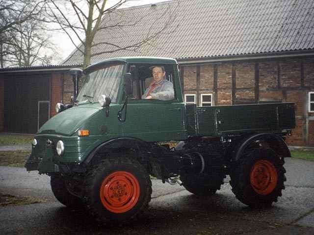Daimler-Benz Unimog 421